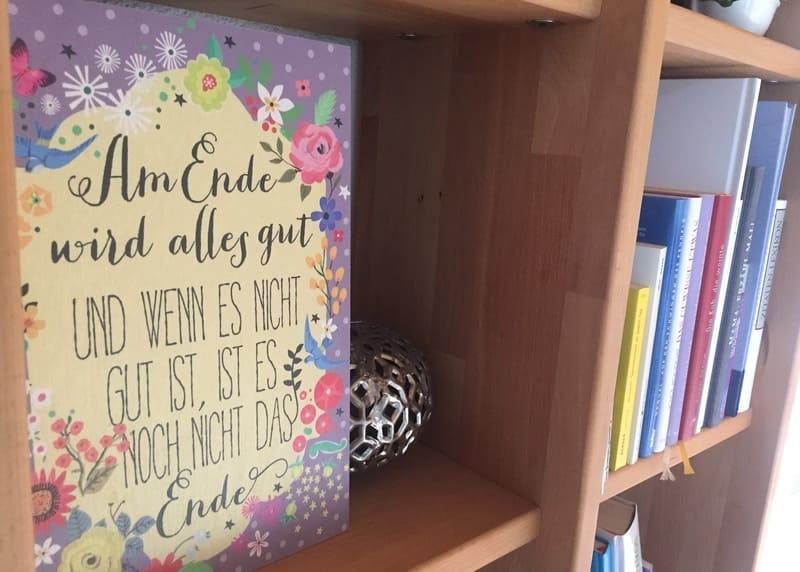 Glücks-Oase Bücherregal