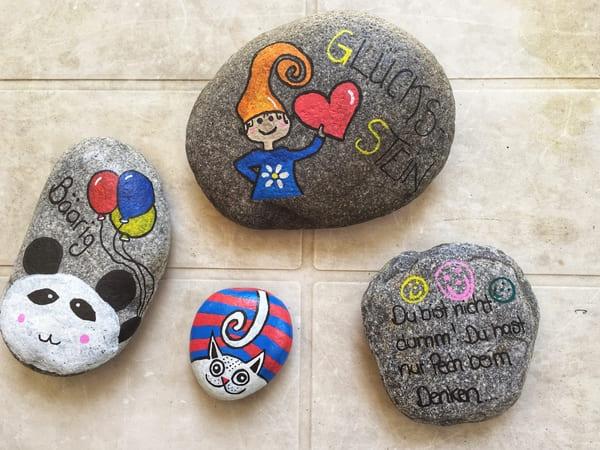 Steine farbig anmalen